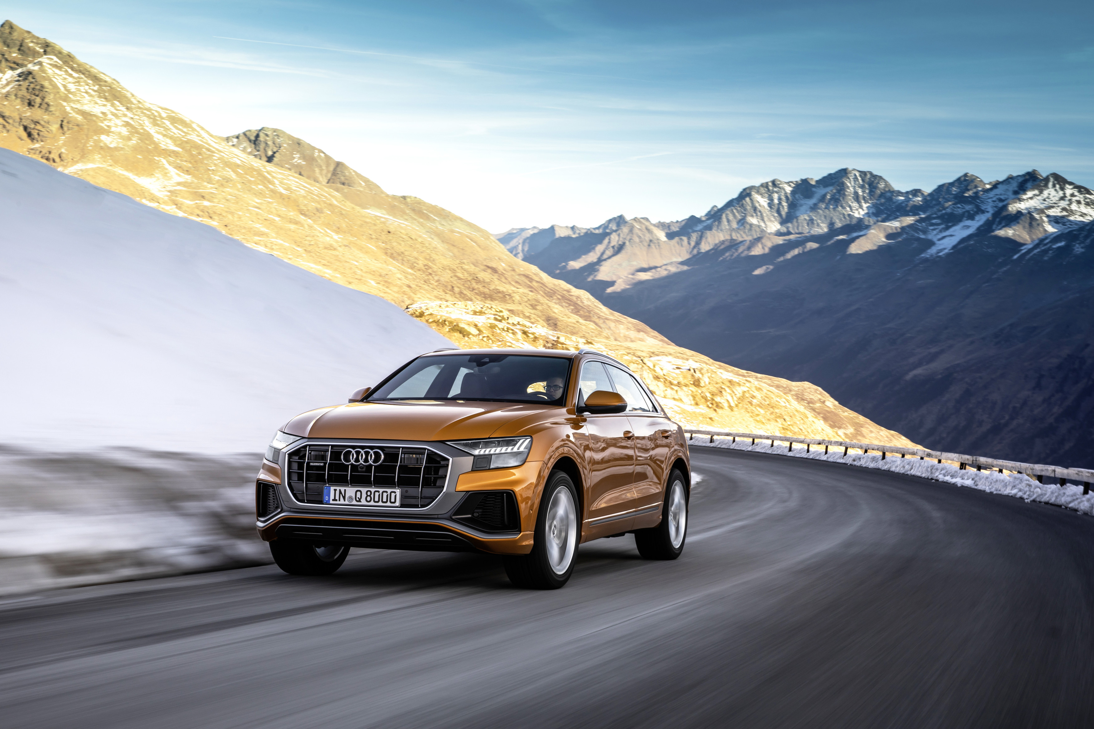 RWRT: Audi Q8 SLQ